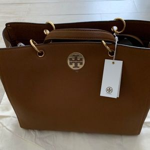 NWT Authentic Tory Burch Everly Tote